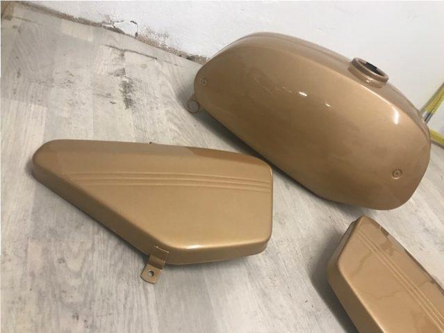 Jawa 350/634 Zlatá verzia – Lakovanie dielov