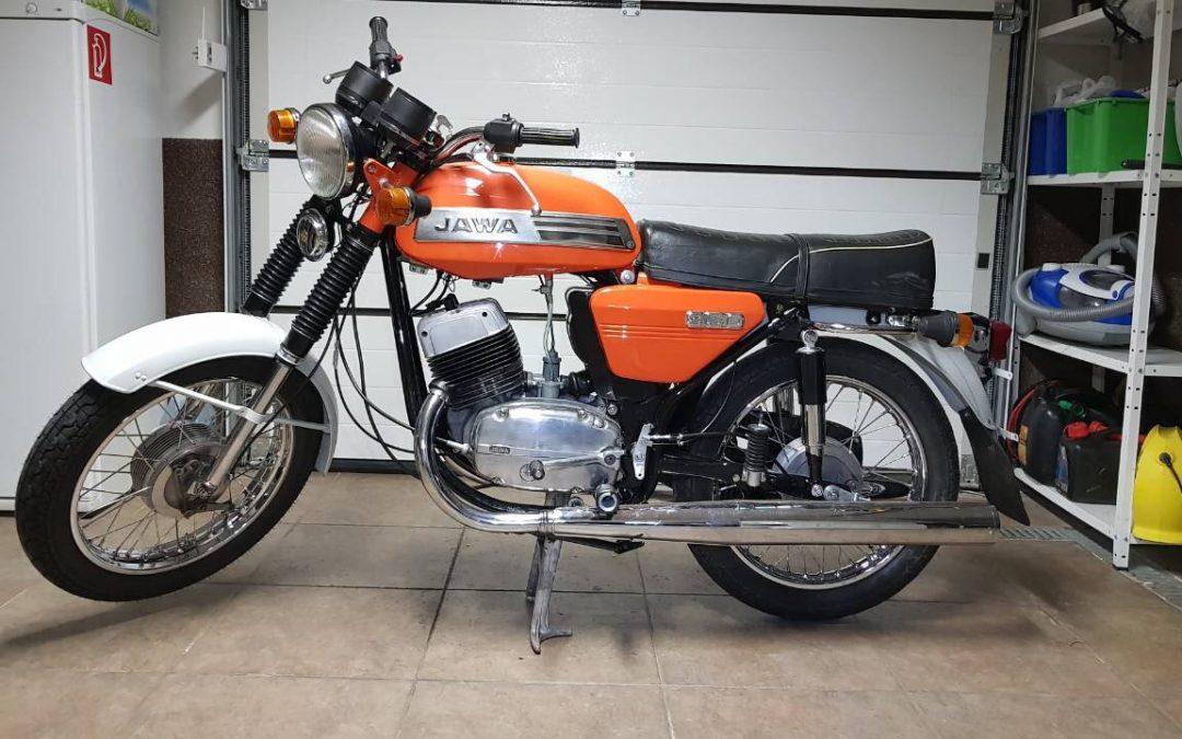 Jawa 350/634 – lakovanie motocyklu + vyliatie nádrže