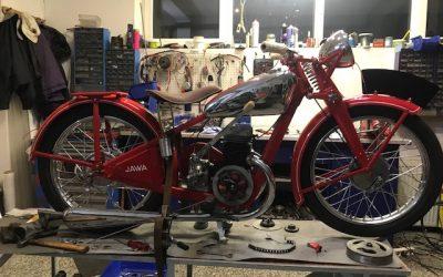 Jawa 175 Special – lakovanie motocyklu