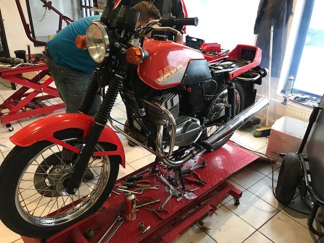 Jawa 350/639 – servis motocyklu