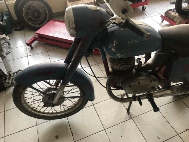 ČZ 250/455 Sport – Kompletná renovácia motocyklu